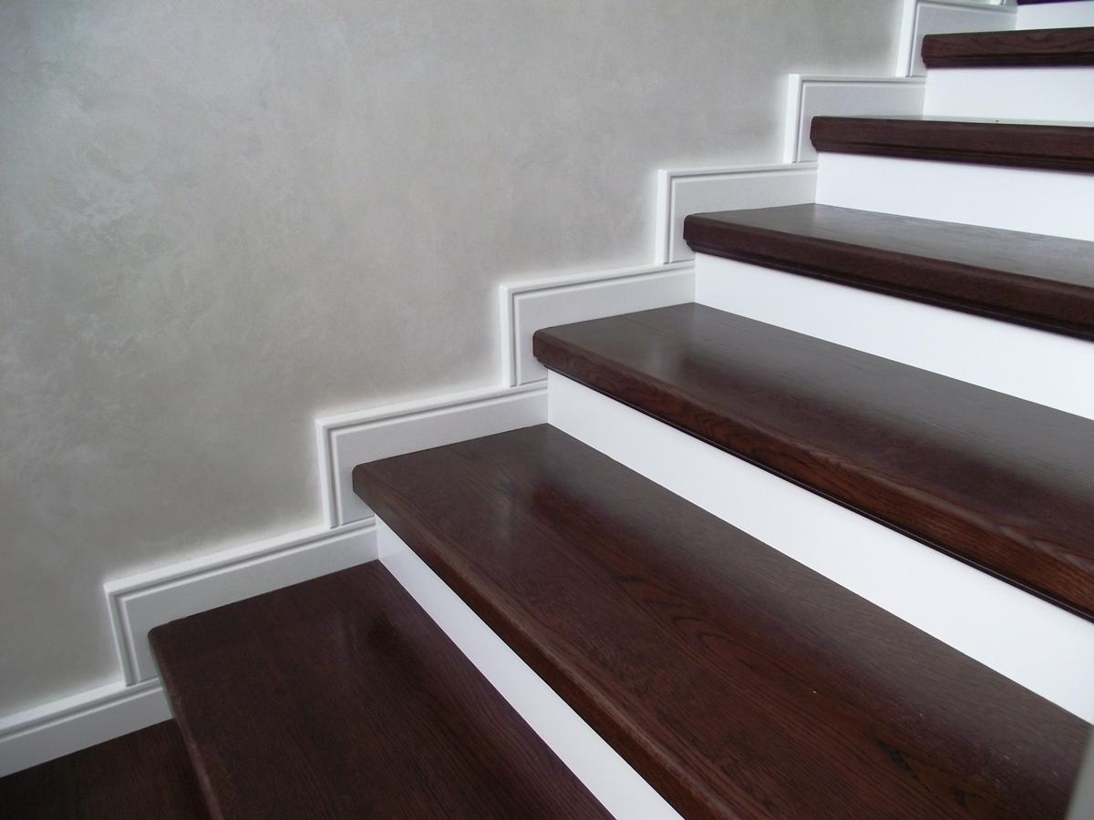 Монолитная лестница из бетона в